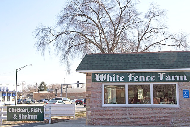 white-fence-farms-chicago-best-fried=chicken