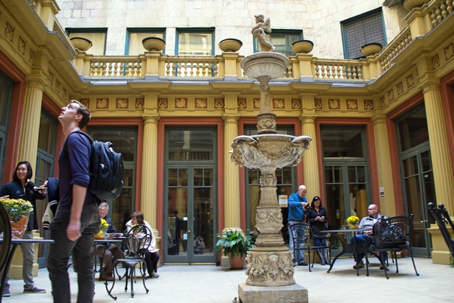urbnexplorer-open-house-chicago-venetian-courtyard