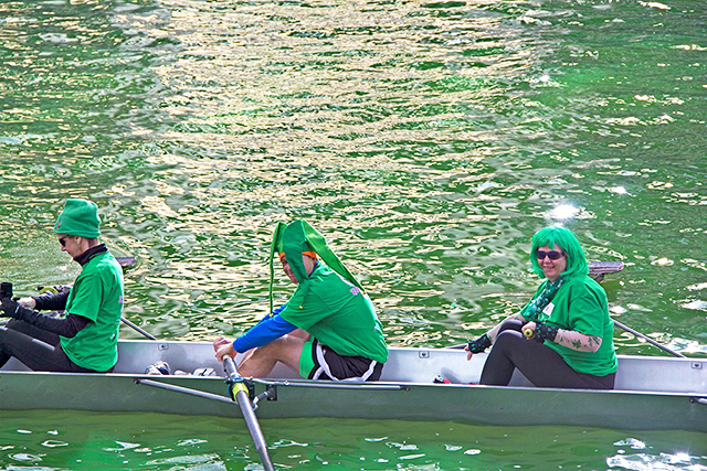 watch-chicago-river-dye-green